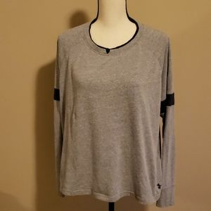 Under armour long sleeve loose fit XL